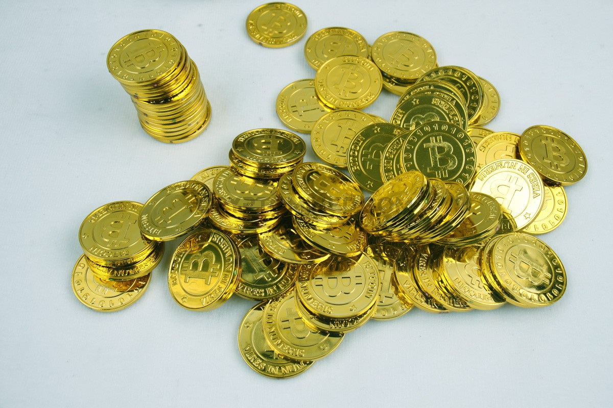 Bitcoin Poker Chip Gold Coins 50 pieces